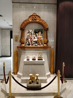 The Idols of Shiva-Parvati at the lobby of the hotel.