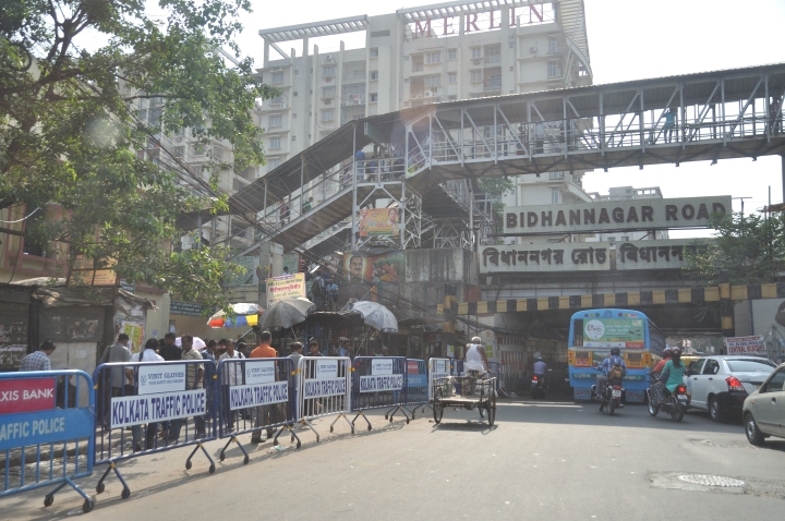 Bidhannagar_Road_Railway_Station_-_Ultadanga_Main_Road_-_Kolkata_2017-04-29_1726